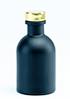zwart flesje met zilveren dopje
